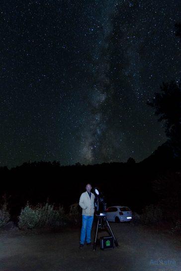 Mirando al cielo en la isla de La Palma